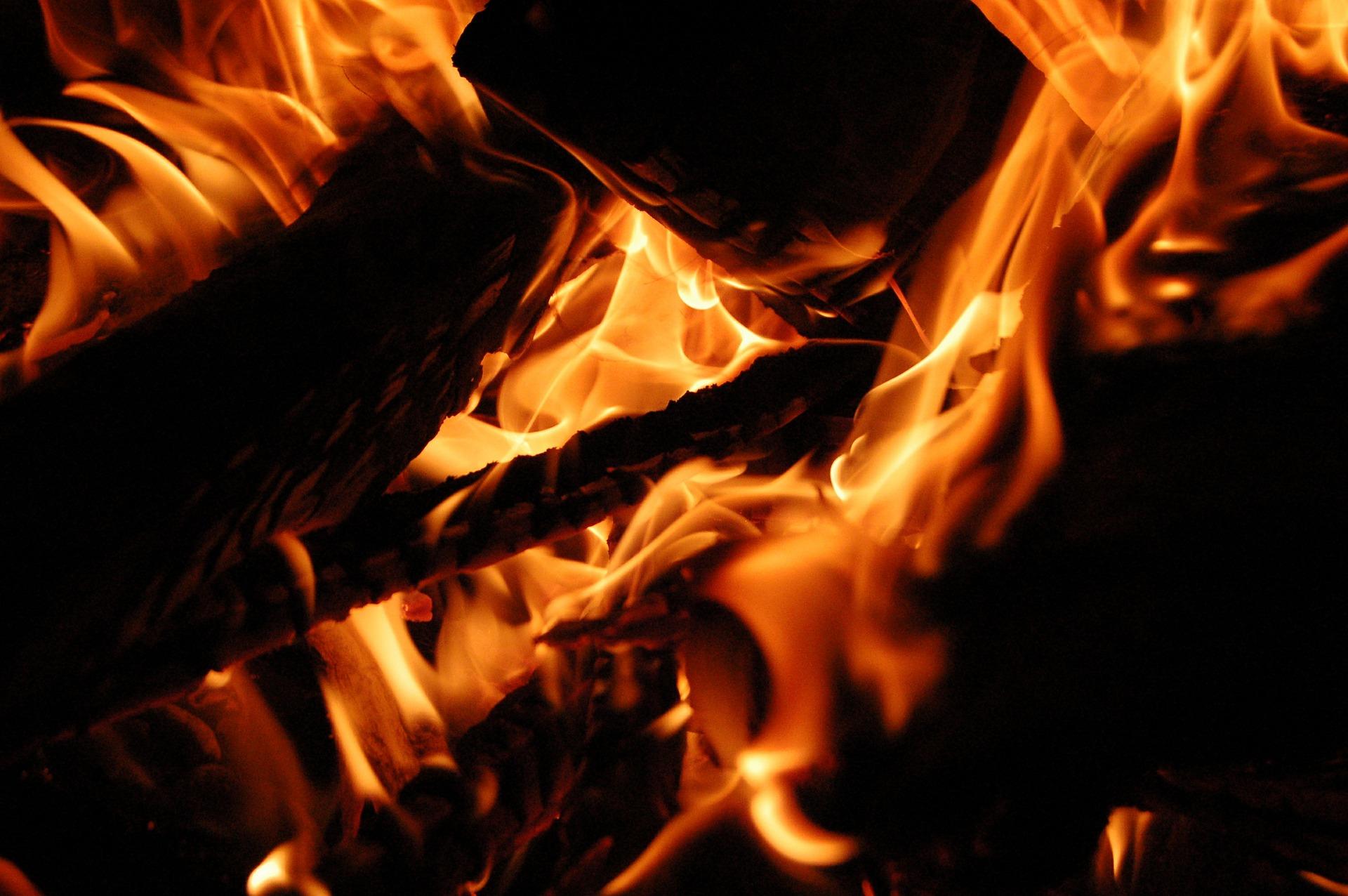 fire-449868_1920.jpg