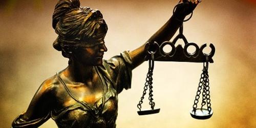 Akt oskarżenia przeciwko czterem pracownikom białostockiego NFZ