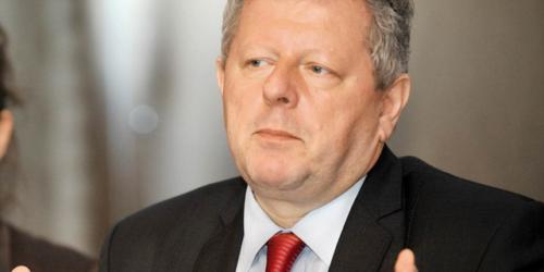 Kucharewicz: zagwarantować aptekom stabilność ekonomiczną