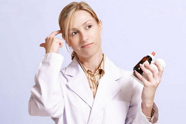 Prezes NRA, wyraziła obawę, że w związku z wprowadzeniem e-recepty istnieje ryzyko wzrostu opłat za odnowienie licencji na programy apteczne. (fot. Shutterstock)