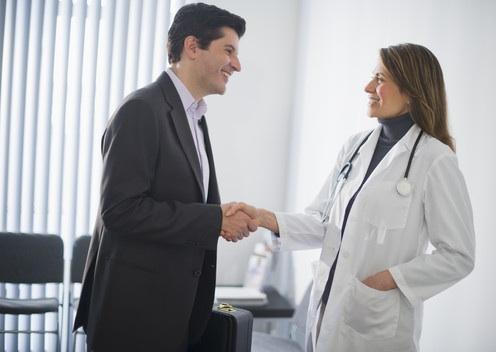 Lekarze przestają być zwolennikami osobistych spotkań z przedstawicielami farmaceutycznymi w swoich gabinetach.