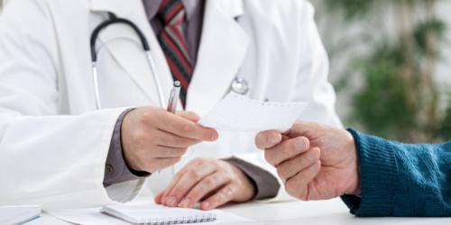 Lekarze gotowi oddać część uprawnień farmaceutom