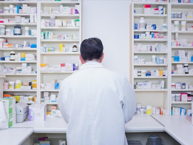 Poseł Myrcha twierdzi, że bez pomocy techników, sami farmaceuci nie podołają obowiązkom i zaczną szkodzić pacjentom.
