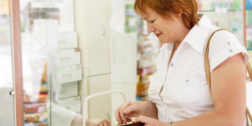 Telewizja Trwam: Pracownicy aptek sieciowych wciskają pacjentom suplementy zamiast leków