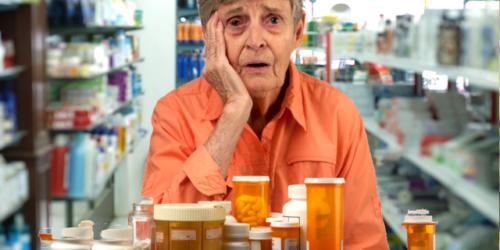 """Okradają emerytów """"na ulgę na leki"""""""