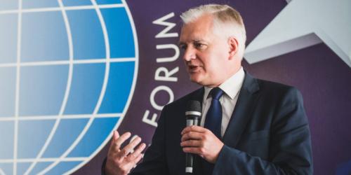 Jarosław Gowin przeciwny uprzywilejowaniu farmaceutów