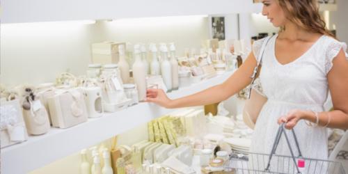 Kosmetyki zostają w aptekach