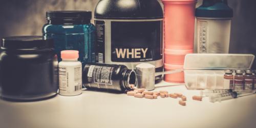 NIK publikuje wykaz zakwestionowanych suplementów diety. Są na nim produkty z aptek.