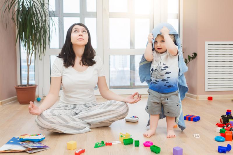 Deprawacja snu i huragan hormonów robiące z mózgu sito nie pomagają wcale opanować stresu związanego z zadbaniem o dobrobyt pierwszego potomka.