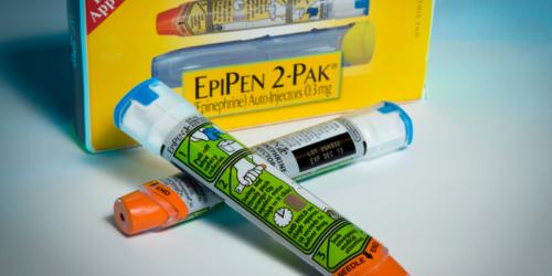 Meda wyjaśnia rozszerzone wycofanie EpiPenów