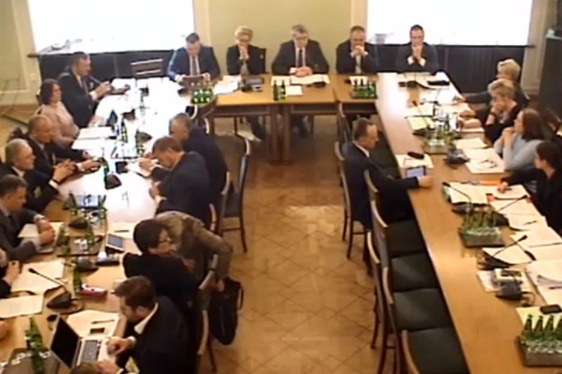 Na godzinę 10:00 zaplanowano posiedzenie Komisji Nadzwyczajnej ds deregulacji