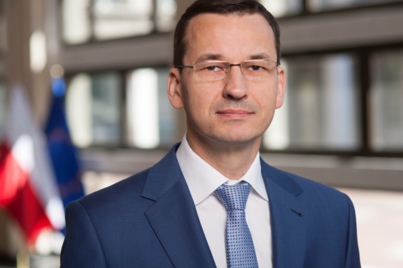 Przed przyjęciem tych zmian zarówno teraz senatorów, jak i wcześniej posłów, przestrzegał minister rozwoju i finansów Mateusz Morawiecki.