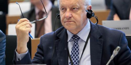 Bolesław Piecha: lepszy moment na przyjęcie tej ustawy był 15 lat temu