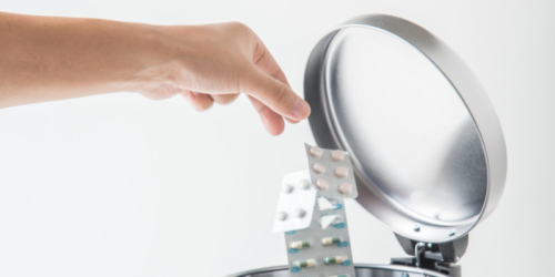 Kontener na niewykorzystane leki powinien być w każdej aptece?