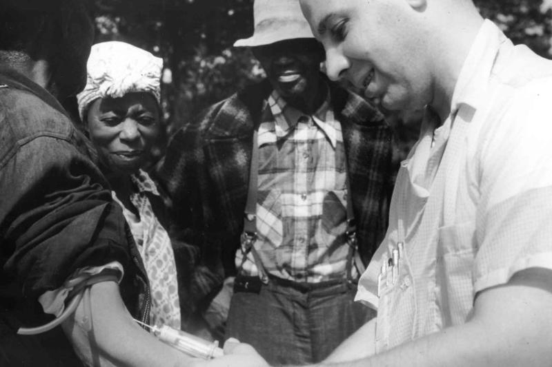 Biorący udział w eksperymencie pacjenci z Tuskegee nigdy nie dowiedzieli się, że chorują na kiłę.