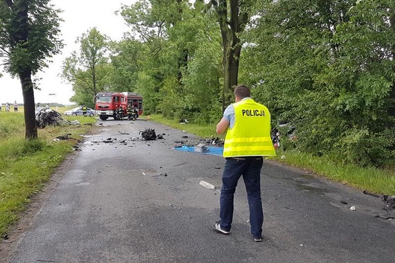 Wypadek miał miejsce niedaleko Komorowa (fot. Policja).