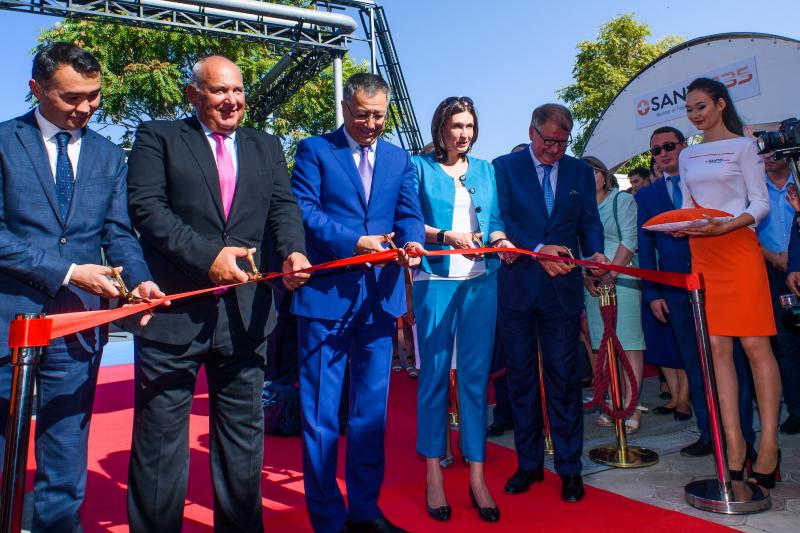Uroczyste otwarcie nowego oddziału do produkcji tabletek w Kazachstanie. (fot. Polpharma)