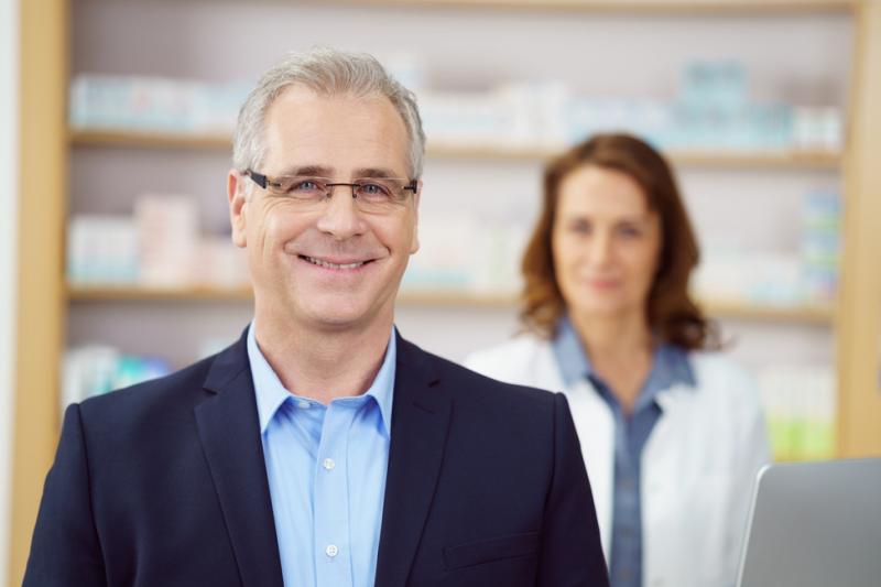 Większość pracowników apteki, jest skłonna poświęcić na wizytę przedstawiciela farmaceutycznego od 5 do 15 minut. (fot: Shutterstock)