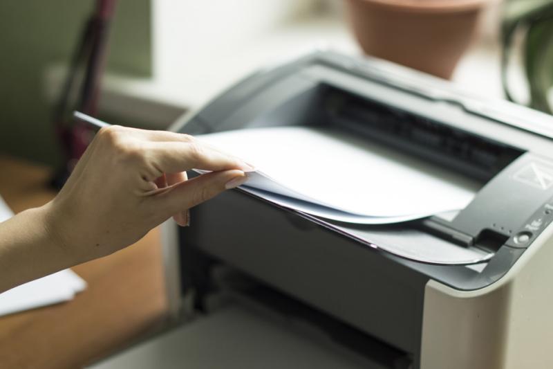 Przedsiębiorca, który nie wystawia faktury lub rachunku za wykonanie świadczenia, podlega karze grzywny do 180 stawek dziennych. (fot. Shutterstock)