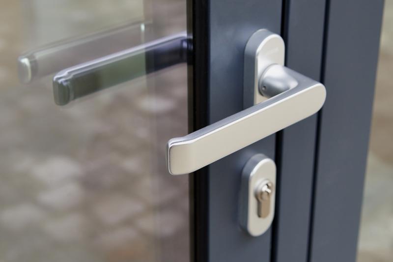 Z odpowiedzi ministerstwa zdrowia trudno cokolwiek wywnioskować w sprawie aptek z zamkniętych przychodni (fot. Shutterstock)