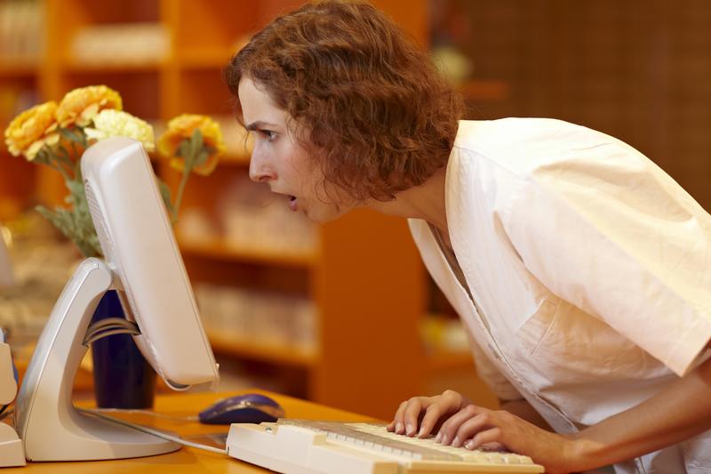 WIF zarzucił również spółce prowadzącej aptekę utrudnianie postępowania kontrolnego oraz zbieranie danych osobowych przez aptekę i przekazywanie ich do podmiotów trzecich. (fot. Shutterstock)