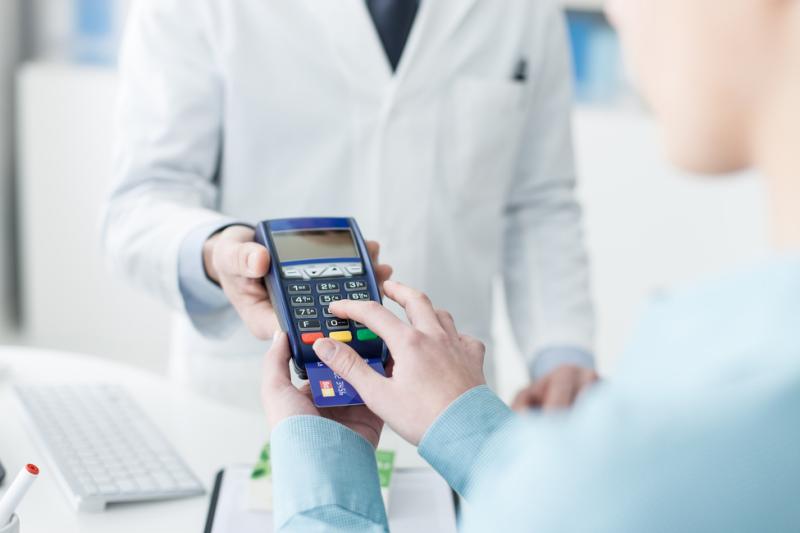 Co mają wspólnego polski aptekarz, francuski ginekolog i polski ślusarz? (fot. Shutterstock)