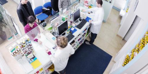 Farmaceutka zamiast wydać lek, wysłała pacjentkę na pielgrzymkę