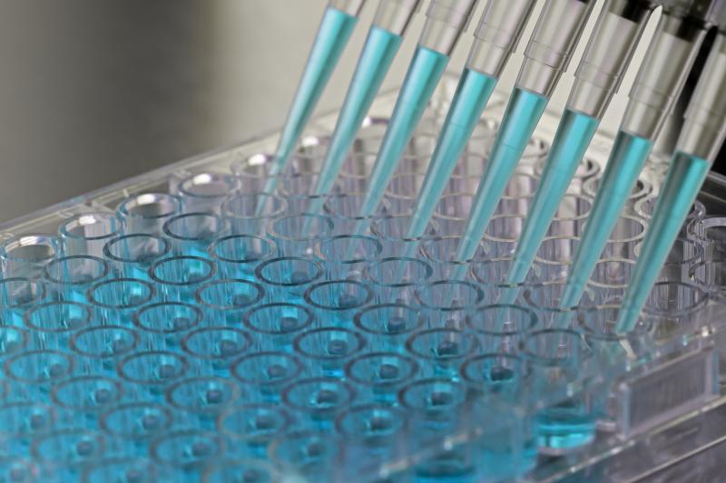 W Polsce jest prawdopodobnie ponad 1 mln osób z uwarunkowaną genetycznie większą predyspozycją do nowotworów złośliwych. (fot. Shutterstock)