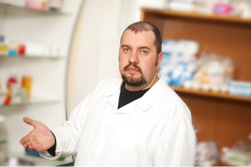 Zdaniem ORA odpowiedzialność za leki wydawane bez recepty ponosi kierownik apteki i to on powinien ponieść tego konsekwencje. (fot. Shutterstock)