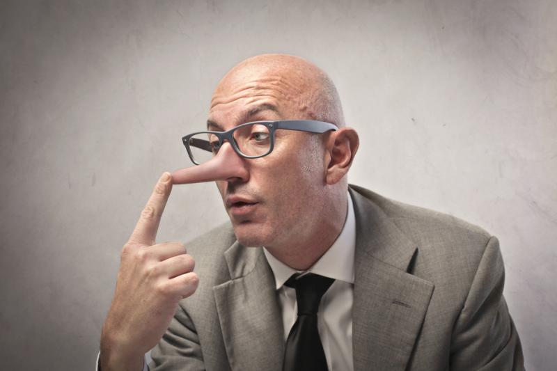 """""""Kto w drobnej rzeczy jest nieuczciwy, ten i w wielkiej nieuczciwy będzie"""" (fot. Shutterstock)"""