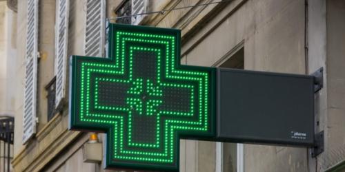 Ministerstwo zdrowia rozważa złagodzenie zakazu reklamy aptek