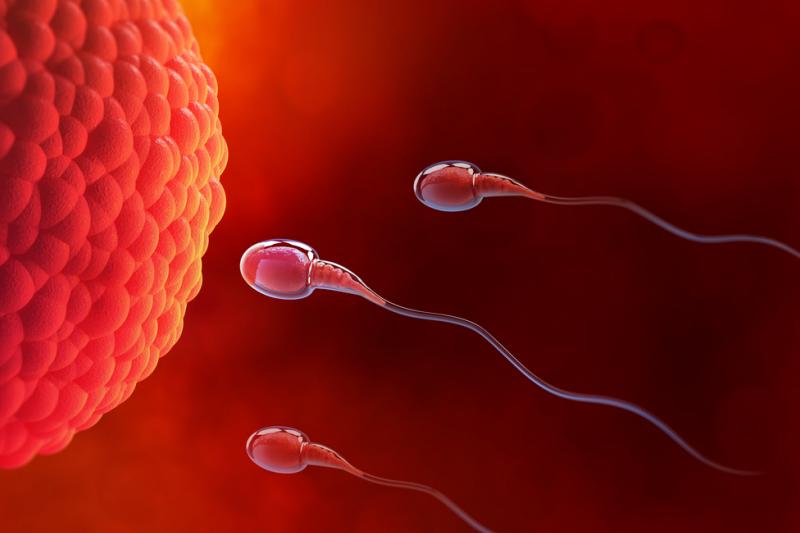 Już po 2 tygodniach stosowania ibuprofenu mogą pojawić się niepokojące zmiany u mężczyzn. (fot. Shutterstock)