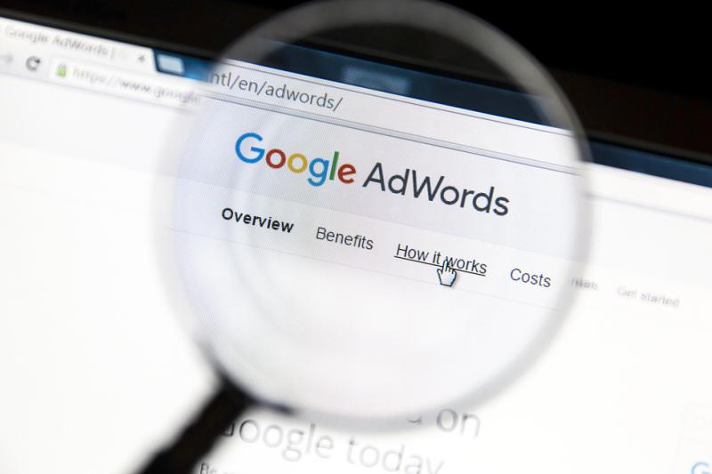 AdWords nie spełnia przesłanej określonych w art. 94a ustawy zabronionej reklamy aptek oraz jej działalności. (fot. Shutterstock)
