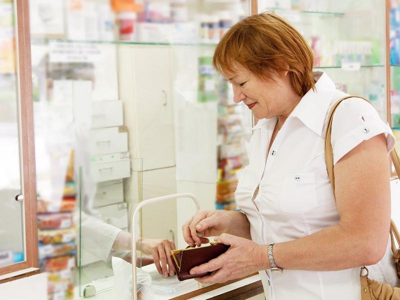 Zdaniem WIF udział aptek w programie wsparcia dla seniorów i rodzin mogłoby stanowić naruszenie prawa (fot. Shutterstock)