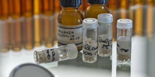 Koniec z refundacją homeopatii w Londynie