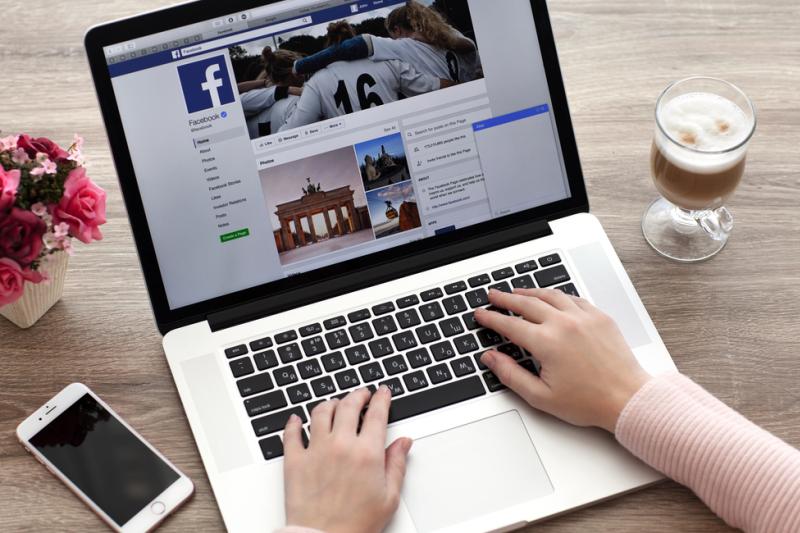Wykorzystanie Facebooka w celach medycznych wiąże się z wieloma wyzwaniami. (fot. Shutterstock)