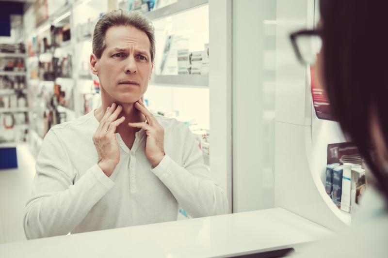 Czy farmaceuci powinni tłumaczyć pacjentom zagadnienie nocebo?  (fot. Shutterstock)