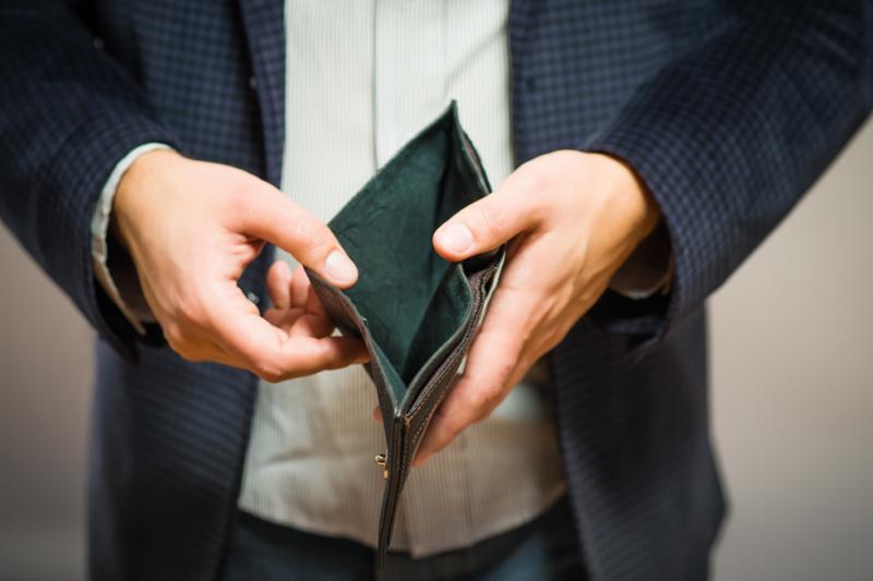 82 proc. Litwinów zgodziłoby się z propozycją umożliwienia aptekom zdalnej sprzedaży wszystkich leków na receptę elektroniczną. (fot. Shutterstock)