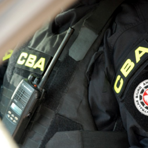 """VIDEO: CBA zatrzymało """"lidera mafii lekowej"""". To obcokrajowiec…"""