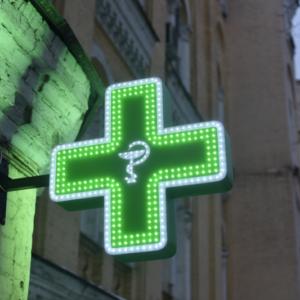 Średni dochód z nocnego dyżuru apteki to… 36 zł