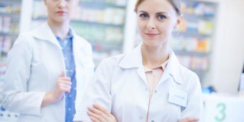 Technik farmaceutyczny na otaksowaniu recepty z tytułem magistra?