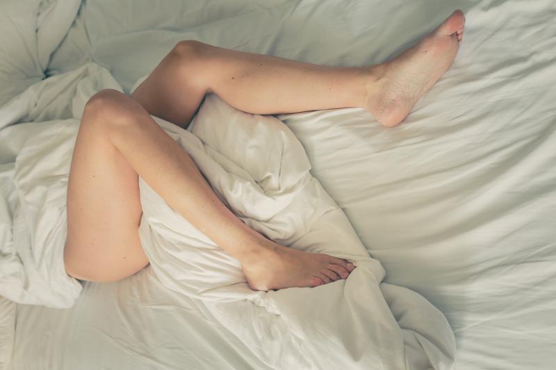 Zespół Niespokojnych Nóg nazywany jest także chorobą Willis-Ekbom'a i jest rodzajem zaburzeń neurologicznych. (fot. Shutterstock)
