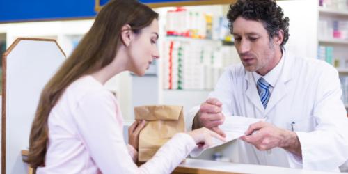 Czy apteka pomyliła lek? Pacjentka podała karteczkę od lekarza…