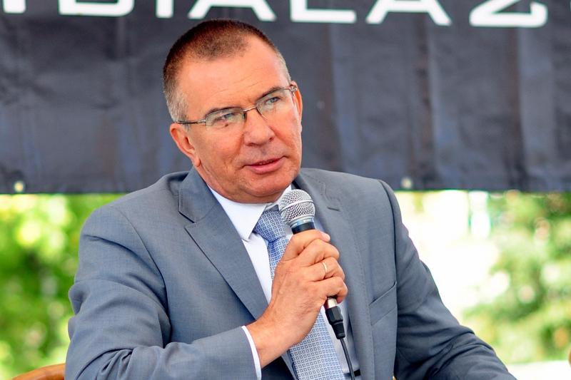 """Co ciekawe poseł Adam Abramowicz był jednym z tym parlamentarzystów, którzy krytykowali nowelizację prawa farmaceutycznego nazywaną """"Apteką dla aptekarza"""" (fot. abramowicz.com.pl)"""