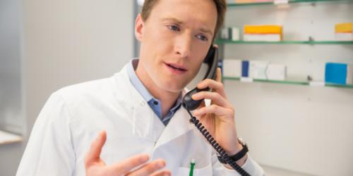 Telefon pacjenta na recepcie? Farmaceuci popierają ten pomysł