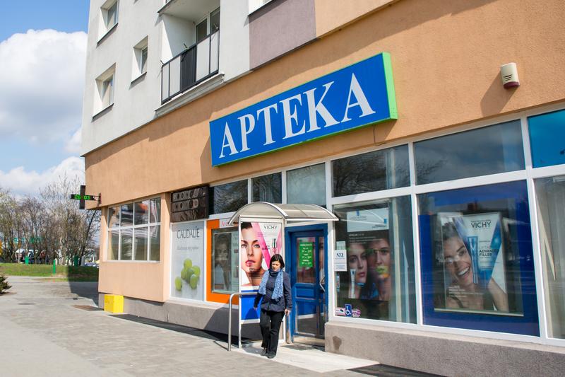 Związek Aptekarzy Pracodawców Polskich Aptek przygotował raport opisujący dokładny stan rynku aptek w Polsce (fot. Shutterstock)