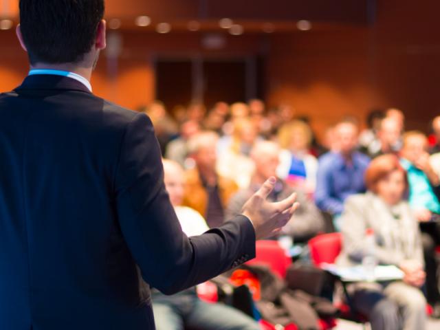 Praktycznie 60% farmaceutów jest zdania, że szkolenia powinny mieć charakter warsztatowy (fot. Shutterstock)
