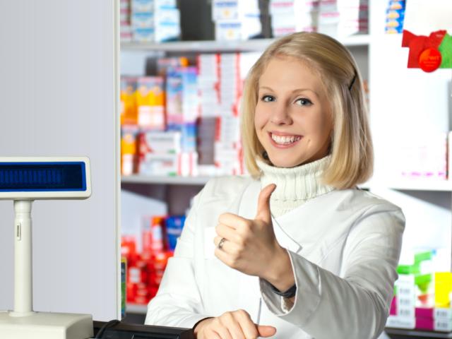 W aptekach nadal pozostaje kilkanaście leków z walsartanem, które pacjenci mogą bezpiecznie stosować (fot. Shutterstock)