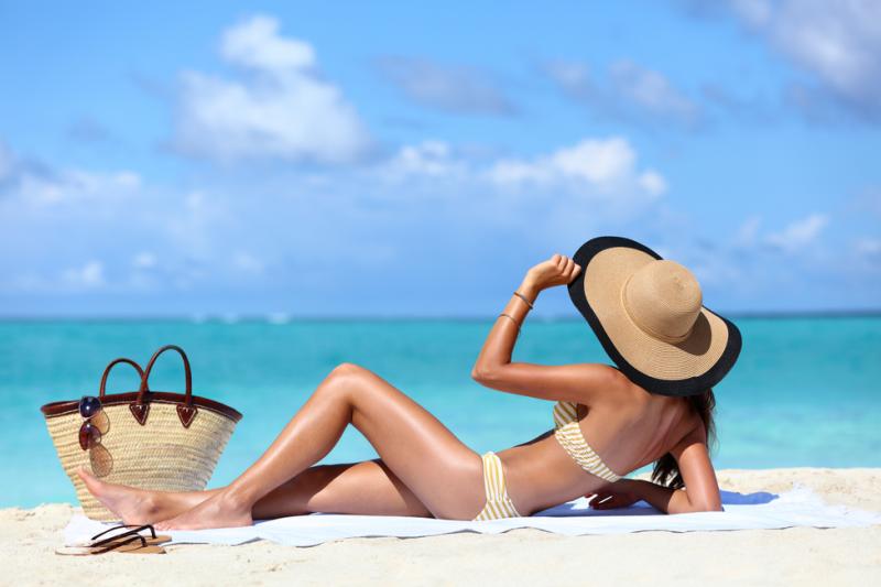 Poza lekami, reakcje fotouczulające i fototoksyczne mogą wywołać również składniki kosmetyków (fot. Shutterstock)