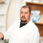 Aptekarz czeka na 3 mln szczepionek obiecane przez Premiera
